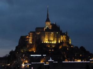 Le Mont-Saint-Michel illuminé